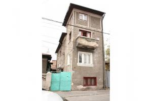 260 mp, Vila Titulescu, 3 apartamente