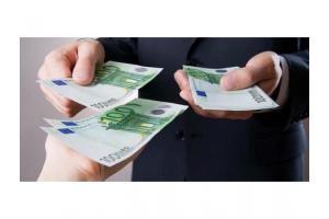 oferind credite și sprijin financiar