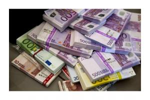 Asistență financiară și creditare între persoane fizice;